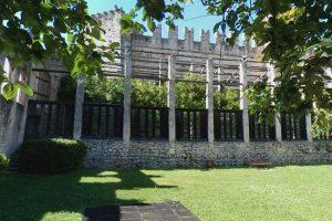 Serra dei limoni nel castello di Torri del Benaco
