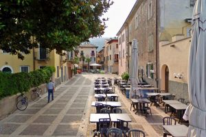 Via del centro storico di Torri del Benaco