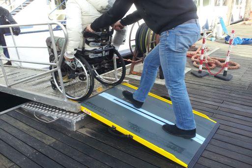 Accesso al battello ai disabili motori