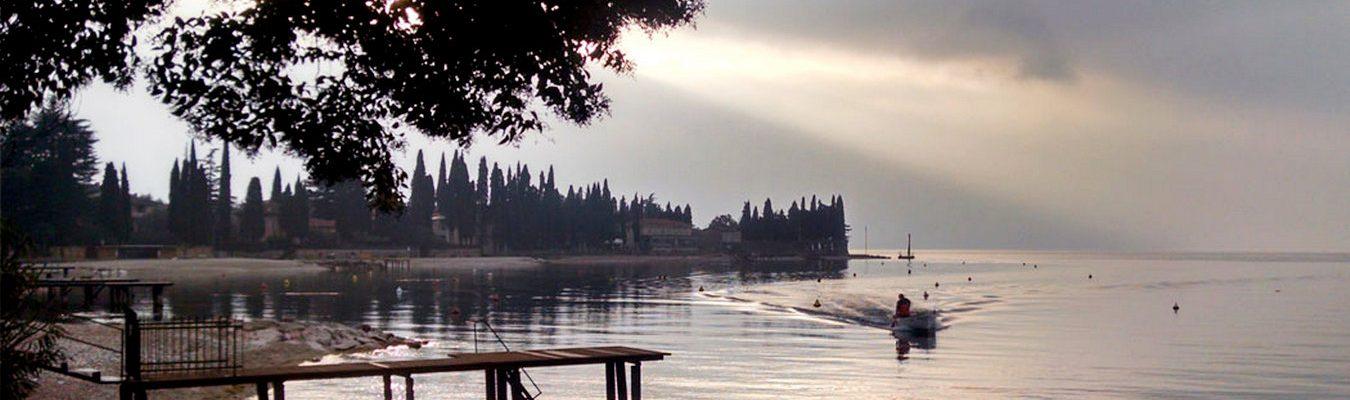 torri-del-benaco-lago-di-garda-la-baia-stanca